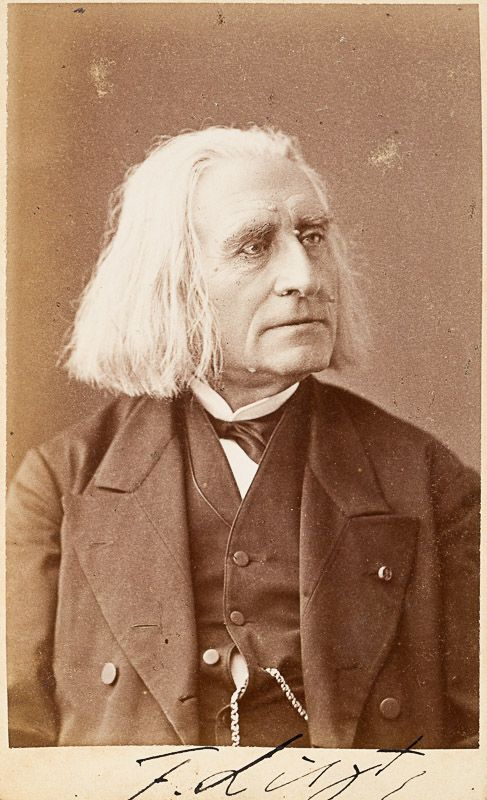 Liszt, Original, signed photograph of famous composer Franz Liszt, in a suit wit